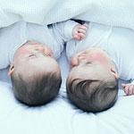 spontan abort af den ene tvilling